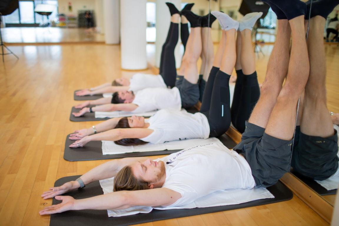 41bef302e347 Corso riequilibrio muscolare. Obiettivi del corso sono il miglioramento  della mobilità articolare, dell'elasticità e del tono muscolare per una  maggiore ...
