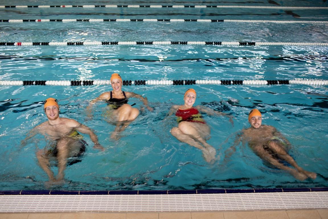 4ec8368a2a84 Un allenamento in acqua alta che prevede l'esecuzione di una serie di  andature in galleggiamento. Le andature sono alternate ad un numero molto  ampio e ...